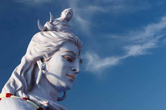 A-statue-of-Lord-Shiva,-Rishikesh,-India